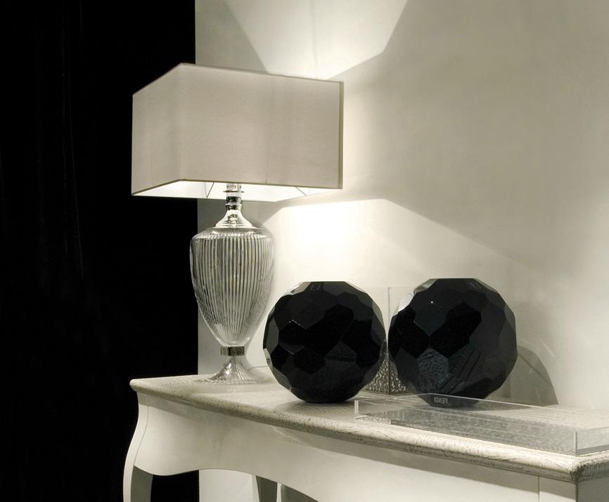 Лампа Fendi Casa Amphora