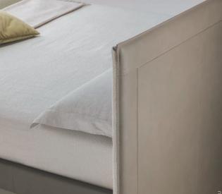 Кровать Poltrona Frau Grantorino