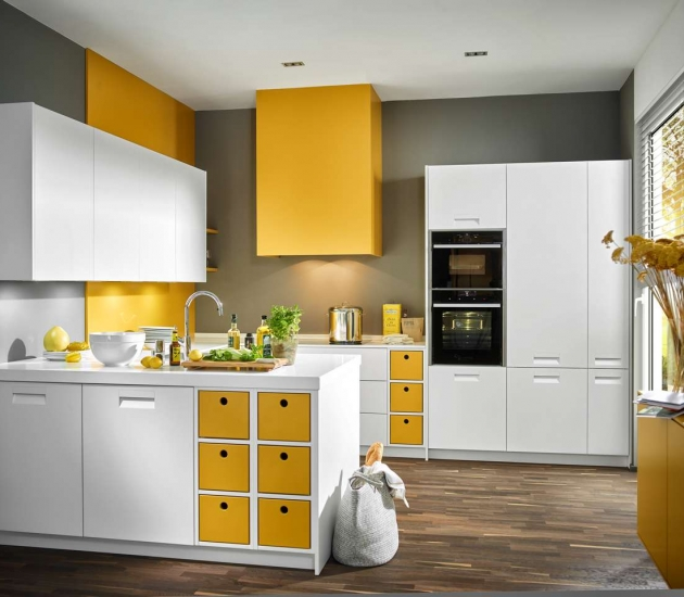 Кухонный гарнитур Beeck Küchen Colorline L weiß + curry