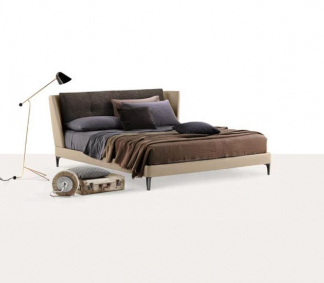Кровать Poltrona Frau Bretagne Bed